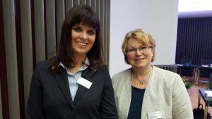 Gudrun Glaser und Rosa Hamacher bei der LWV-Verbandsversammlung